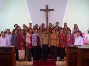 Para Anggota baru Kerabat SPM foto bersama Sr. Felisita dan Para Suster DPP SPM Provindo