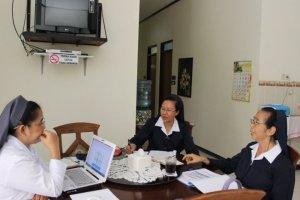 Suasana sharing Komisi Pendidikan.