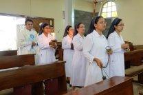 perarakan para suster misdinar dan para imam