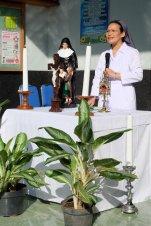 Sr. Theresien memimpin Ibadat Pembuka.