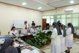 Para Suster DPP Probolinggo mendapat berkat dari Mgr. Henricus Pidyarto, O. Carm